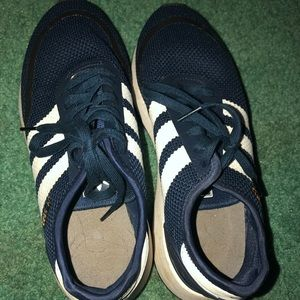 GENTLY USED ADIDAS SNEAKERS